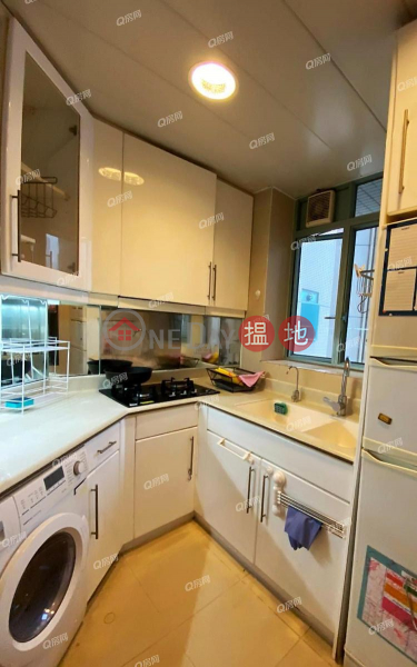 HK$ 25,000/ month, The Victoria Towers, Yau Tsim Mong The Victoria Towers | 2 bedroom Mid Floor Flat for Rent