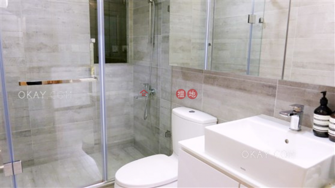 Popular 1 bedroom with parking | For Sale | Pine Gardens 松苑 Sales Listings