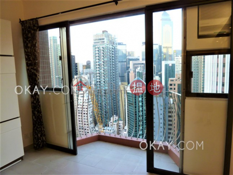 Gorgeous 3 bedroom with balcony & parking | For Sale|Camelot Height(Camelot Height)Sales Listings (OKAY-S8086)_0