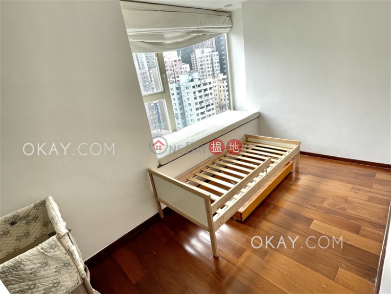 HK$ 50,000/ month | Centrestage Central District Luxurious 3 bedroom on high floor with balcony | Rental