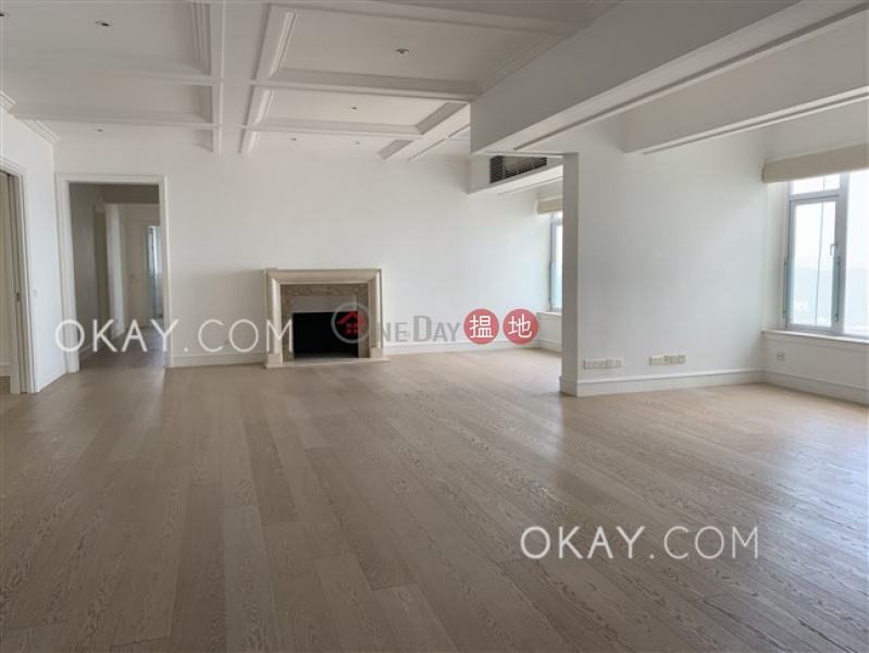 Efficient 3 bed on high floor with sea views & parking | Rental | Eredine 七重天大廈 Rental Listings