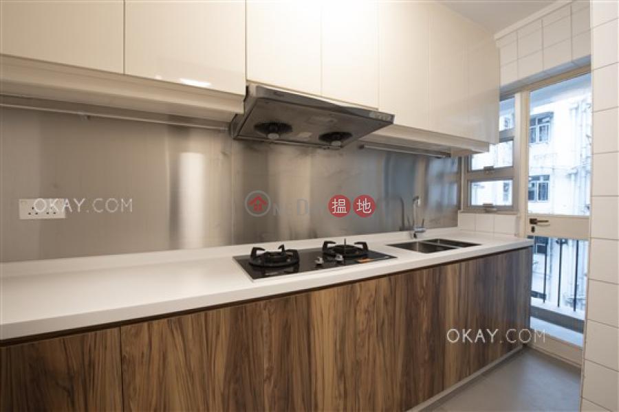 HK$ 27M, Block 4 Phoenix Court, Wan Chai District, Efficient 3 bedroom with balcony & parking | For Sale