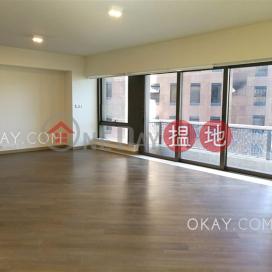Beautiful 4 bedroom with balcony & parking | Rental