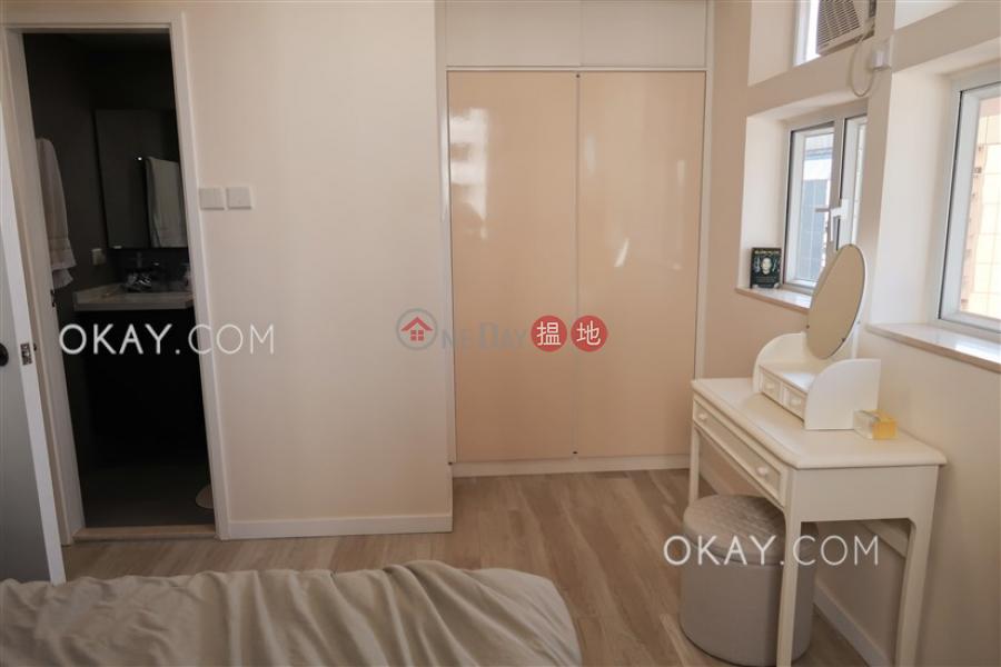 1房1廁,實用率高,極高層《樂聲大廈A座出租單位》 樂聲大廈A座(Lok Sing Centre Block A)出租樓盤 (OKAY-R1732)