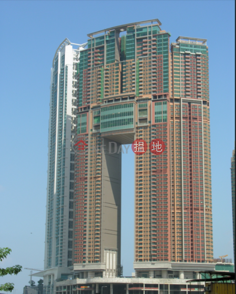3 Bedroom Family Flat for Sale in West Kowloon|The Arch(The Arch)Sales Listings (EVHK43989)_0