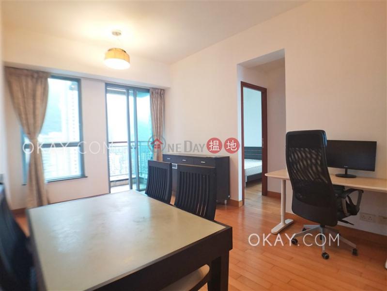 HK$ 17.8M, 2 Park Road, Western District, Tasteful 2 bedroom on high floor with balcony   For Sale