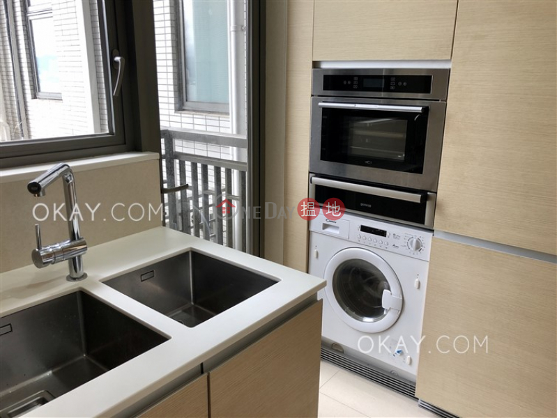 Luxurious 3 bedroom with balcony | For Sale | 189 Queen Road West | Western District | Hong Kong, Sales HK$ 25M