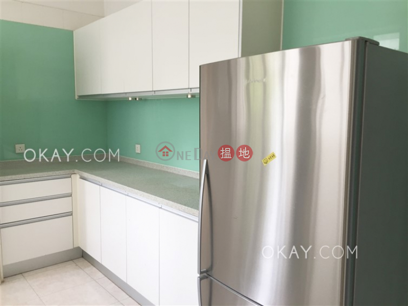 HK$ 68,000/ month Country Apartments, Southern District | Exquisite 3 bedroom with balcony & parking | Rental