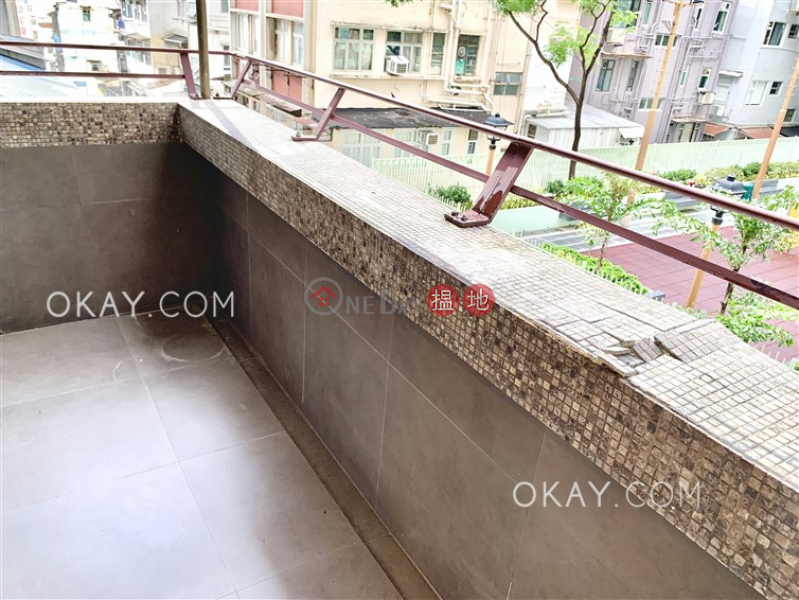 Cozy 2 bedroom with balcony   For Sale, King Ho Building 金豪大廈 Sales Listings   Central District (OKAY-S71677)