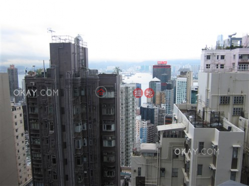 Lovely 2 bedroom with harbour views & balcony | For Sale | Arezzo 瀚然 Sales Listings