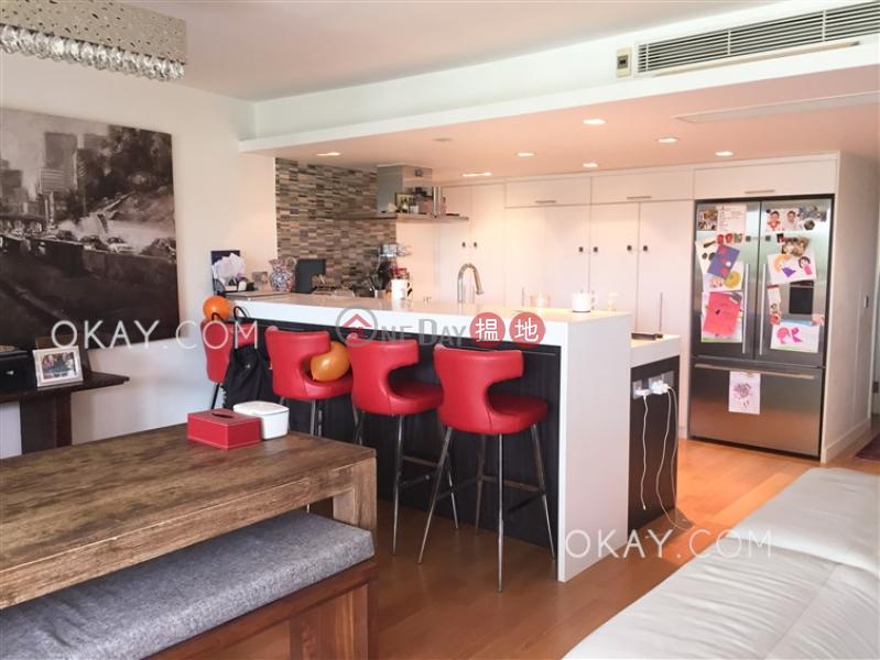 HK$ 70,000/ 月-怡林閣A-D座-西區-3房2廁,實用率高,連車位,露台《怡林閣A-D座出租單位》