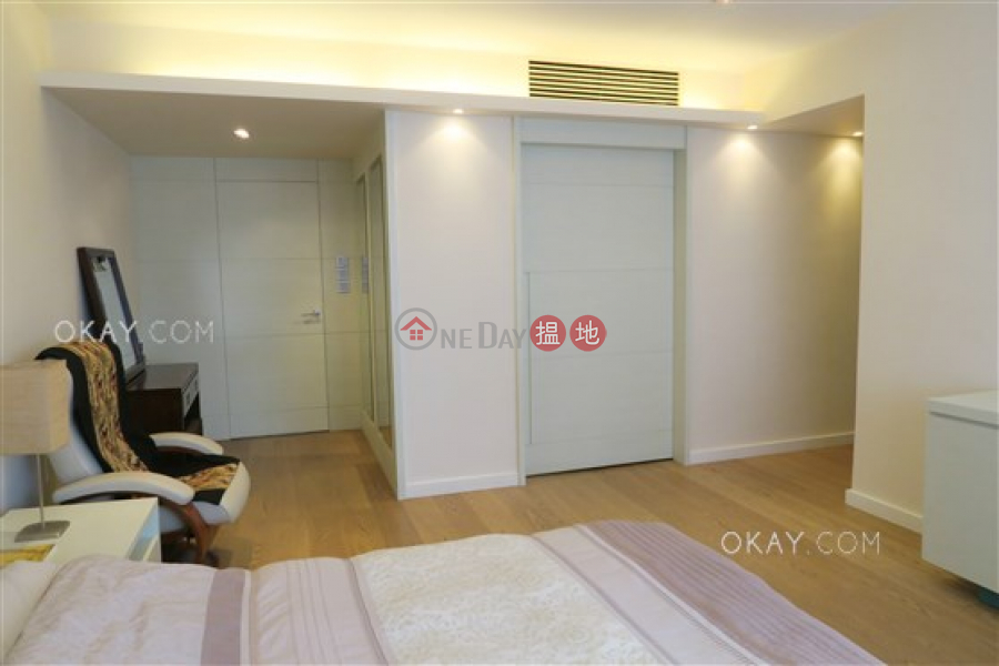Efficient 5 bedroom with balcony & parking | For Sale | Babington House 巴威大廈 Sales Listings