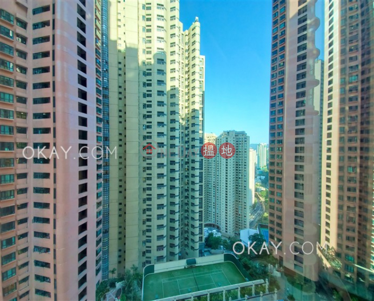 Popular 2 bedroom with parking   Rental, Hillsborough Court 曉峰閣 Rental Listings   Central District (OKAY-R18699)