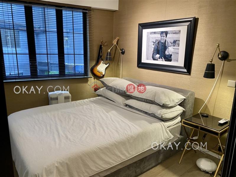 Elegant 1 bedroom on high floor with rooftop | Rental | 59-61 Wellington Street 威靈頓街59-61號 Rental Listings