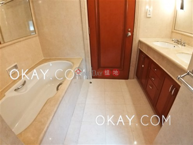 HK$ 86,000/ month Block 2 (Taggart) The Repulse Bay, Southern District Luxurious 3 bedroom with sea views, balcony | Rental