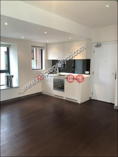 Garden-view unit for rent in Mid-levels Central, 38 Tai Ping Shan Street | Central District | Hong Kong, Rental HK$ 24,000/ month