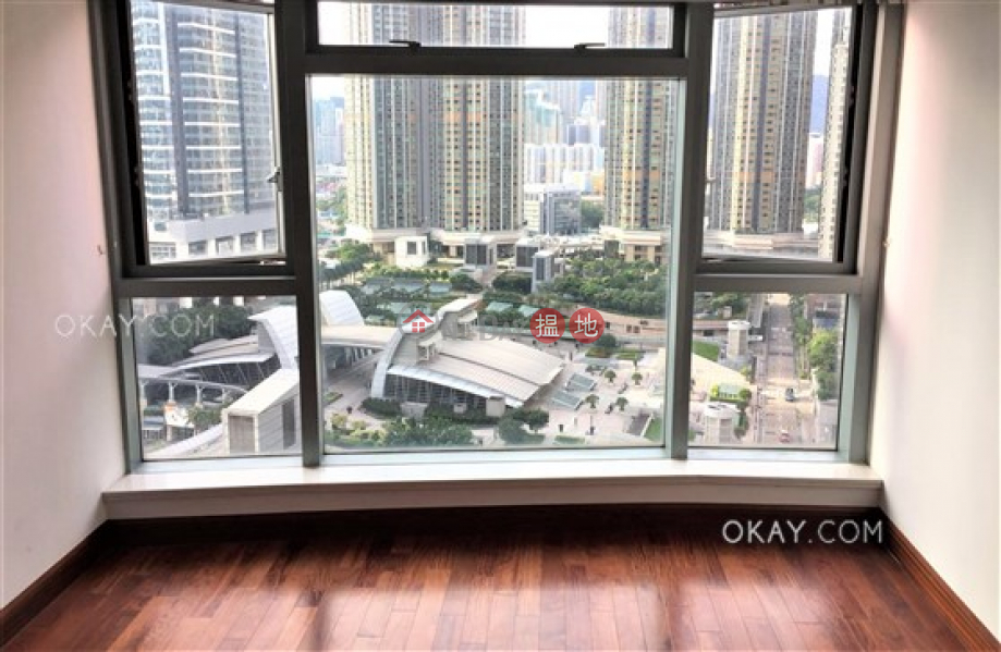 Property Search Hong Kong | OneDay | Residential, Rental Listings | Elegant 2 bedroom in Kowloon Station | Rental
