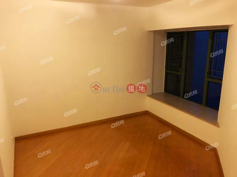 HK$ 31,000/ month, Tower 8 Island Resort   Chai Wan District   Tower 8 Island Resort   3 bedroom Mid Floor Flat for Rent