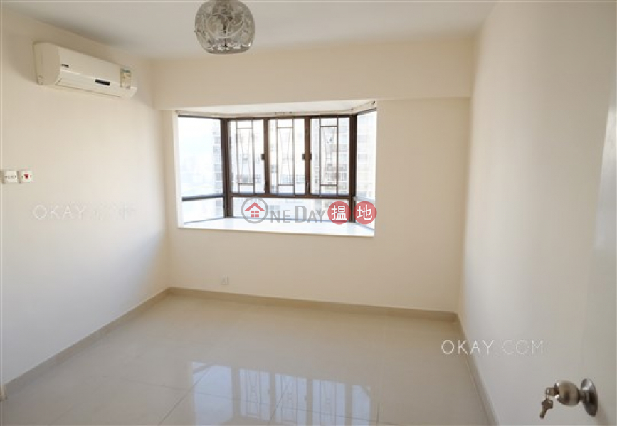 Gorgeous 3 bed on high floor with sea views & balcony | For Sale | Beverley Heights 富豪閣 Sales Listings