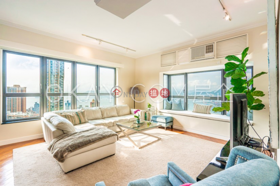 Beautiful penthouse with rooftop & parking   Rental   Scenecliff 承德山莊 Rental Listings