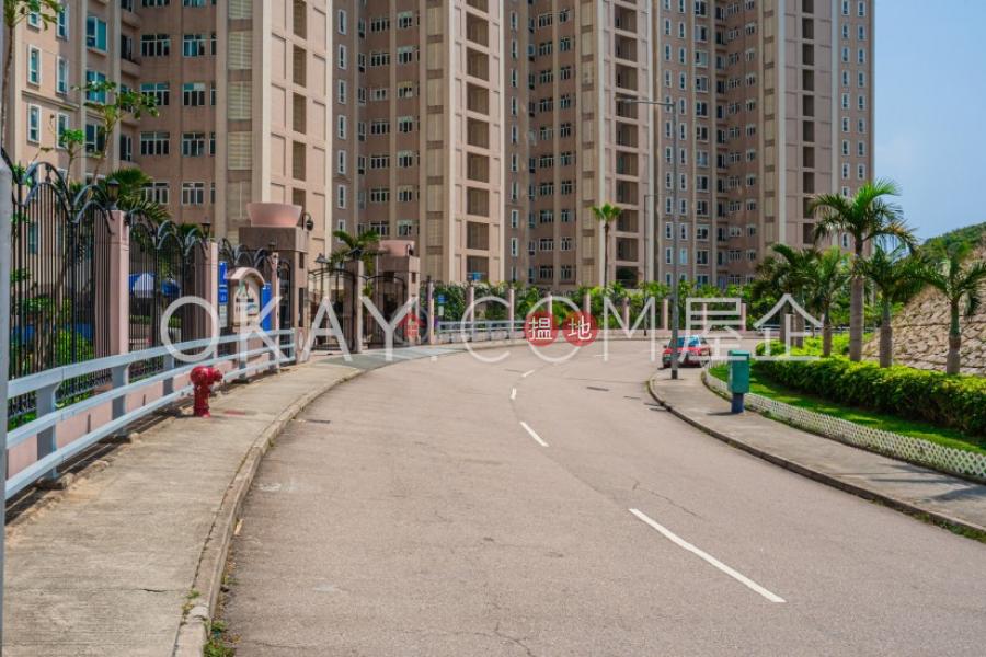 2房2廁,星級會所,連車位,露台紅山半島 第1期出售單位18白筆山道   南區 香港-出售 HK$ 2,500萬