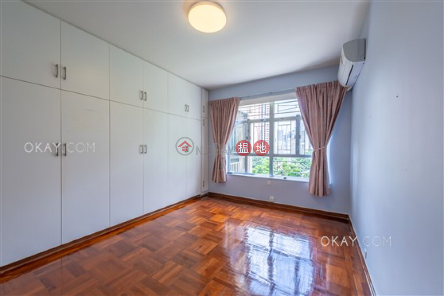 Efficient 3 bedroom with parking | For Sale | Robinson Garden Apartments 羅便臣花園大廈 Sales Listings