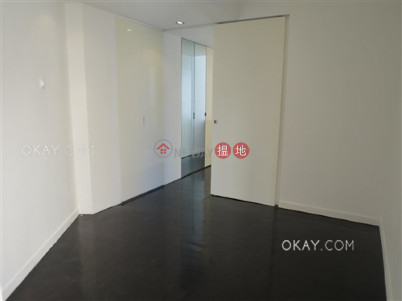 HK$ 35,000/ month, Fook Wah Mansions, Western District | Stylish 2 bedroom on high floor with rooftop | Rental