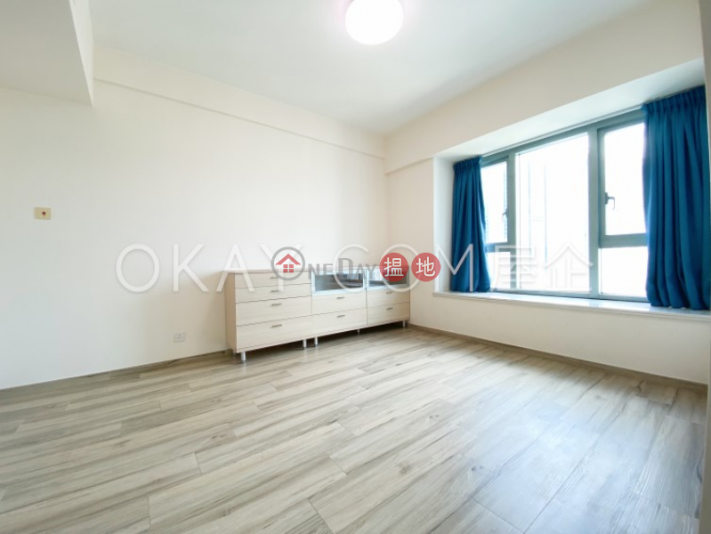 Nicely kept 3 bedroom with balcony   Rental   The Harbourside Tower 2 君臨天下2座 Rental Listings
