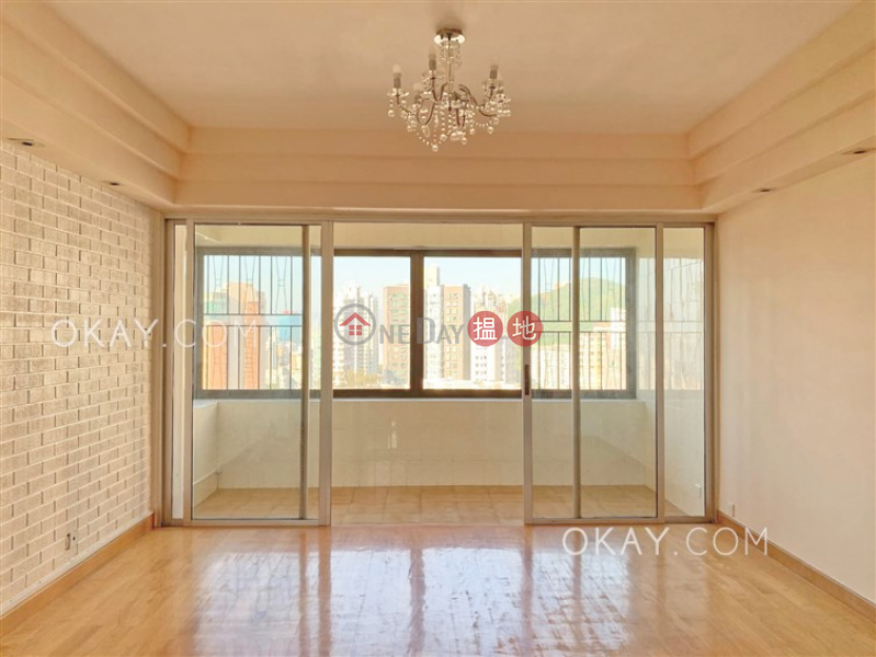 Tasteful 3 bedroom with sea views & parking | Rental | Swiss Towers 瑞士花園 Rental Listings