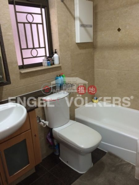 Property Search Hong Kong | OneDay | Residential | Sales Listings | 3 Bedroom Family Flat for Sale in Shek Tong Tsui