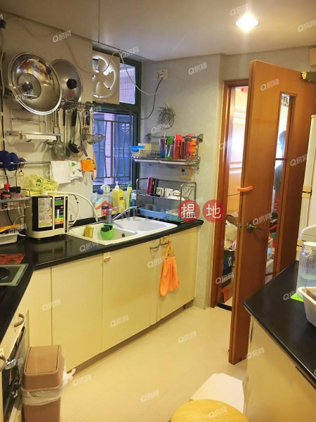 Tower 9 Island Resort | 3 bedroom Mid Floor Flat for Sale 28 Siu Sai Wan Road | Chai Wan District | Hong Kong, Sales, HK$ 17.5M