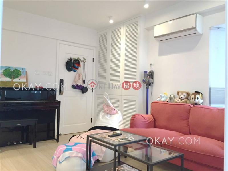 Generous 2 bedroom in Wan Chai   For Sale   Tower 1 Hoover Towers 海華苑1座 Sales Listings