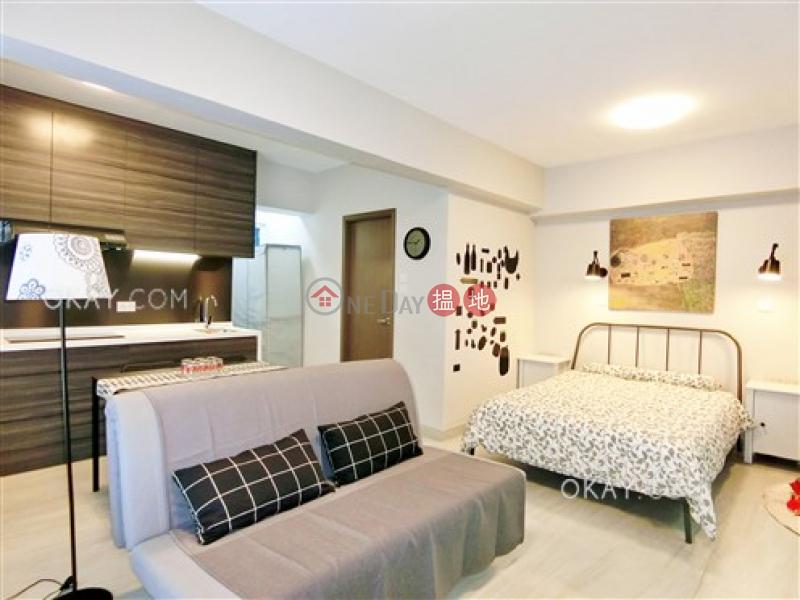 HK$ 15M Carlton Building, Yau Tsim Mong | Charming studio with terrace | For Sale