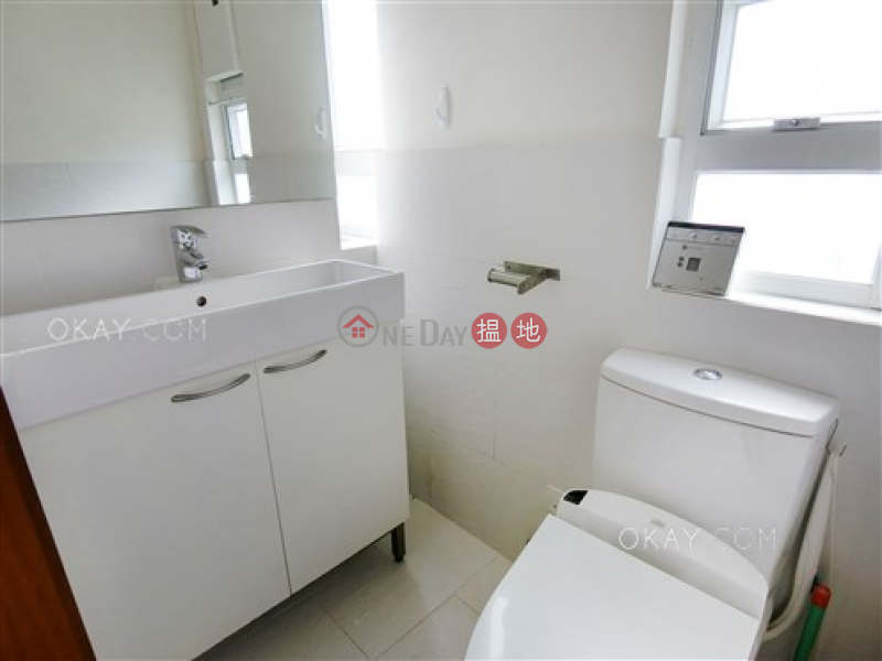 Luxurious 1 bedroom on high floor with rooftop | For Sale | Yau Wing Lau 榮樓 Sales Listings