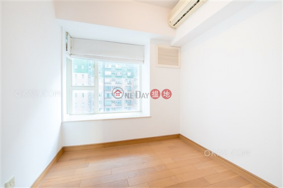 HK$ 47,800/ month, Centrestage   Central District Elegant 3 bedroom with balcony   Rental
