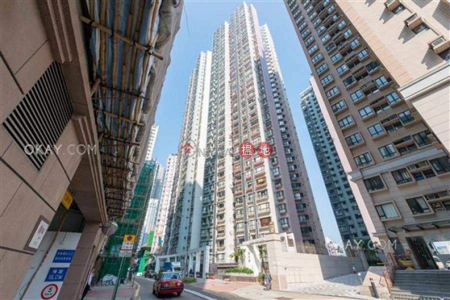3房2廁《嘉兆臺出售單位》 10羅便臣道   西區-香港 出售HK$ 2,100萬