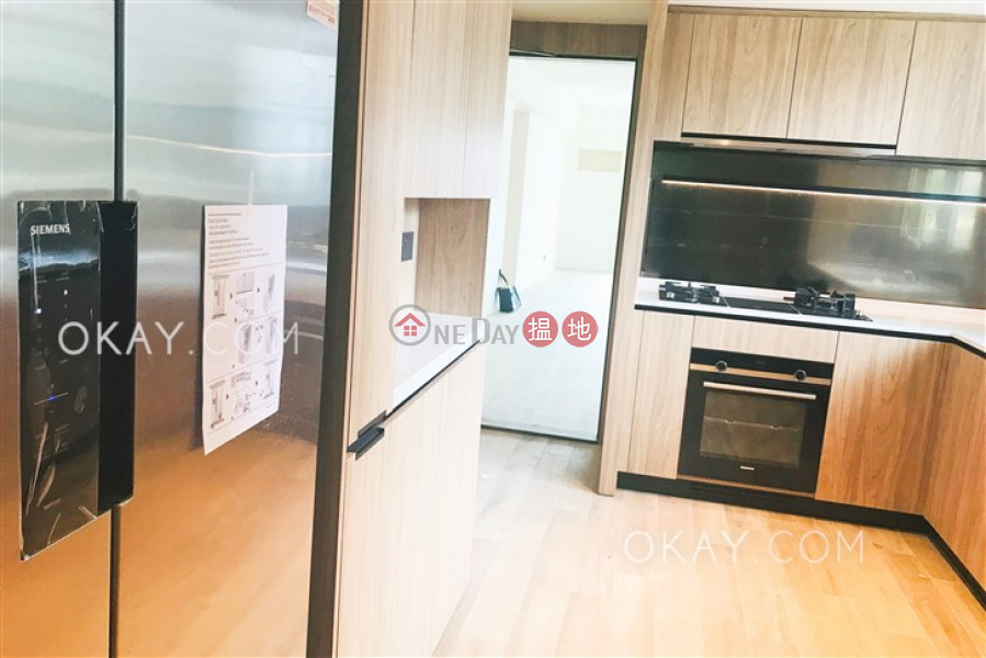 HK$ 89,000/ month, St. Joan Court Central District Beautiful 3 bedroom with balcony | Rental