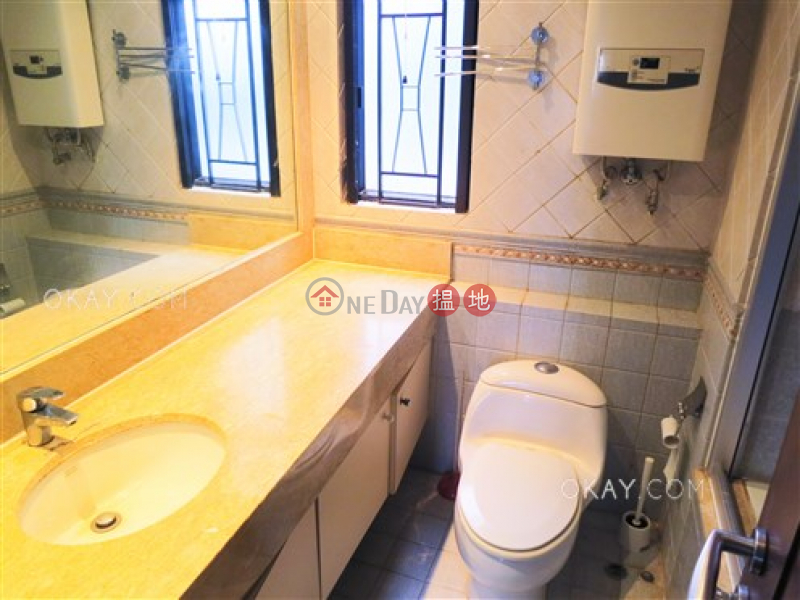 HK$ 52,000/ month Beverly Hill Wan Chai District | Gorgeous 4 bedroom with balcony | Rental