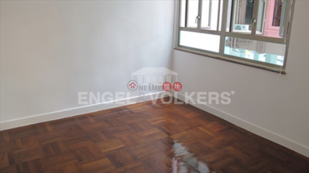 3 Bedroom Family Flat for Sale in Mid Levels West 10 Castle Road | Western District Hong Kong Sales | HK$ 20M