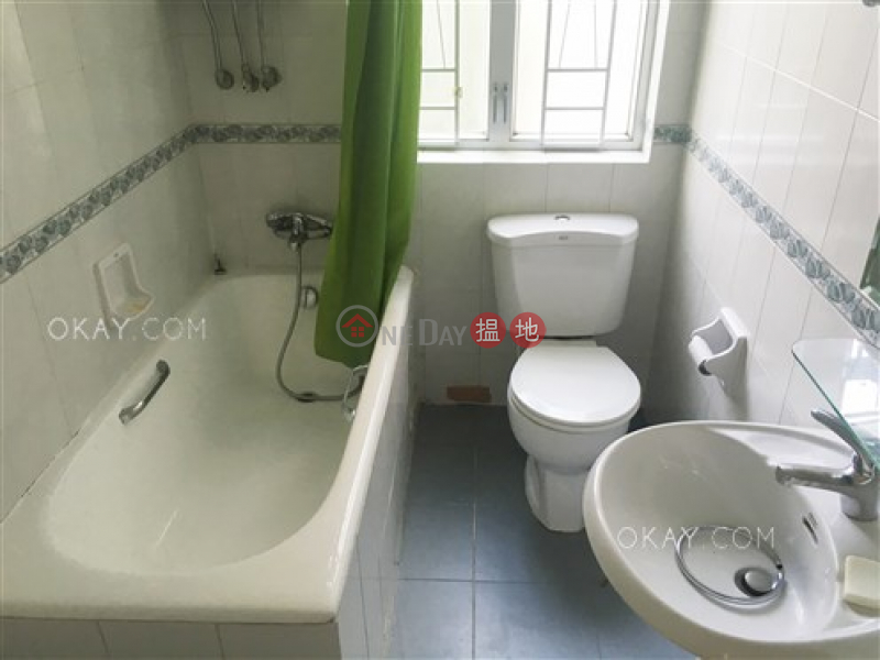 HK$ 3,000萬-晨光大廈|中區-3房2廁,極高層,露台《晨光大廈出售單位》