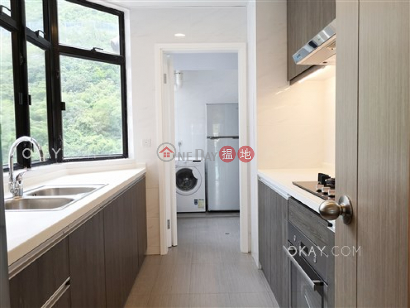 Stylish 3 bedroom with balcony & parking | Rental | Grand Garden 華景園 Rental Listings