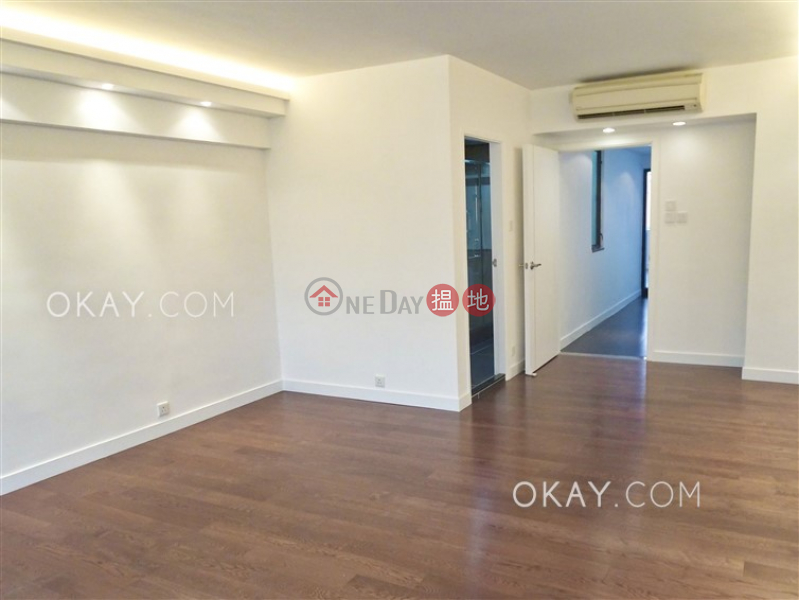Exquisite house with rooftop & parking   Rental   Sunderland Court 新德園 Rental Listings