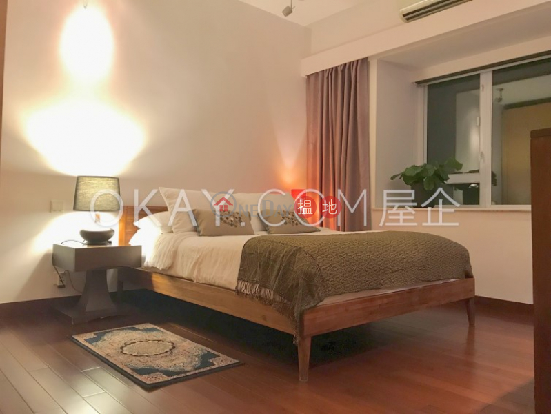 HK$ 43,000/ month Discovery Bay, Phase 2 Midvale Village, Island View (Block H2) Lantau Island   Unique 3 bedroom on high floor with sea views   Rental
