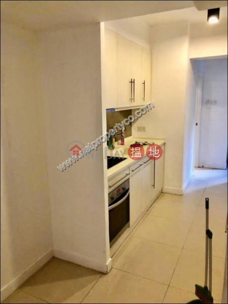 Conveniently Located in Sheung Wan Apartment|蘇杭街103-105號(103-105 Jervois Street)出租樓盤 (A032362)