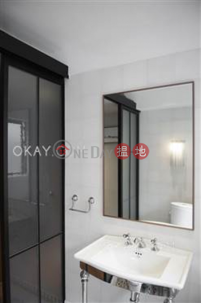 HK$ 13.2M Sea Breeze Court | Eastern District Charming 2 bedroom on high floor with parking | For Sale