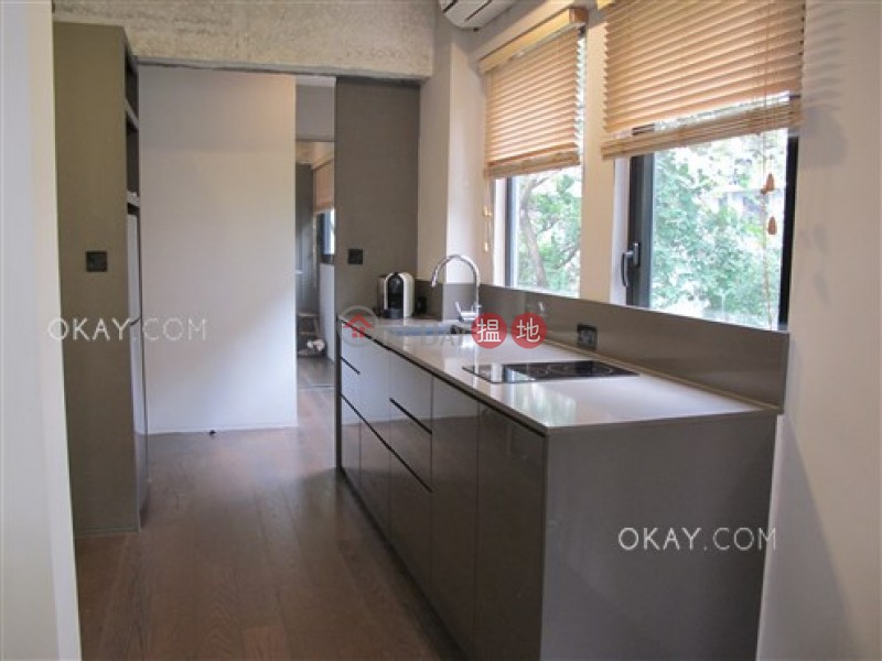 HK$ 27,000/ month 9 Tai On Terrace Central District Charming in Sheung Wan | Rental