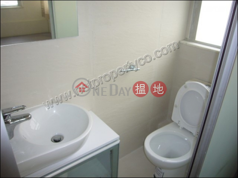 One good size bedroom unit for Rent in Wan Chai|Kwong Tak Building(Kwong Tak Building)Rental Listings (A041723)_0