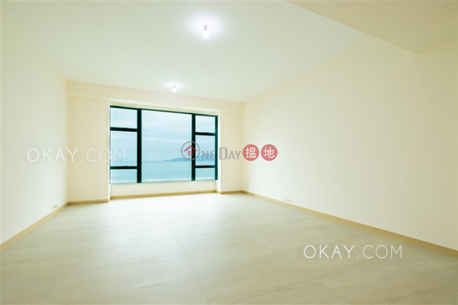 HK$ 220,000/ month Phase 1 Regalia Bay Southern District Beautiful house with sea views, rooftop & balcony | Rental