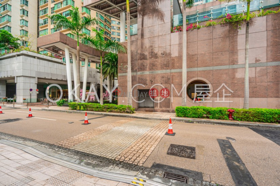 HK$ 42,000/ month, The Waterfront Phase 1 Tower 3 | Yau Tsim Mong | Elegant 3 bedroom in Kowloon Station | Rental