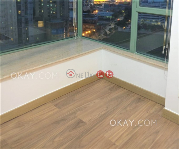 HK$ 1,400萬-維港灣-油尖旺|3房2廁,極高層,星級會所《維港灣出售單位》